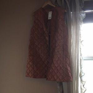 Uniqlo down Puffy vest size L brand new